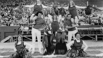 Cheerleader-Pyramid-